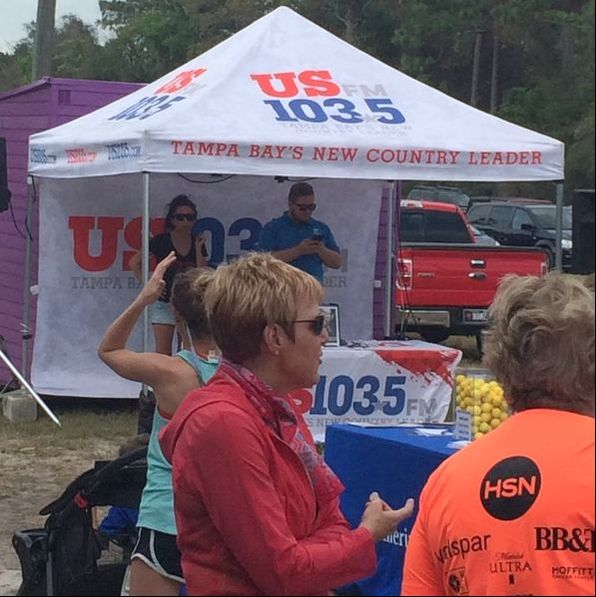 Local radio station 103.5 FM played music at the starting line of the 2017 Par4Miler race.