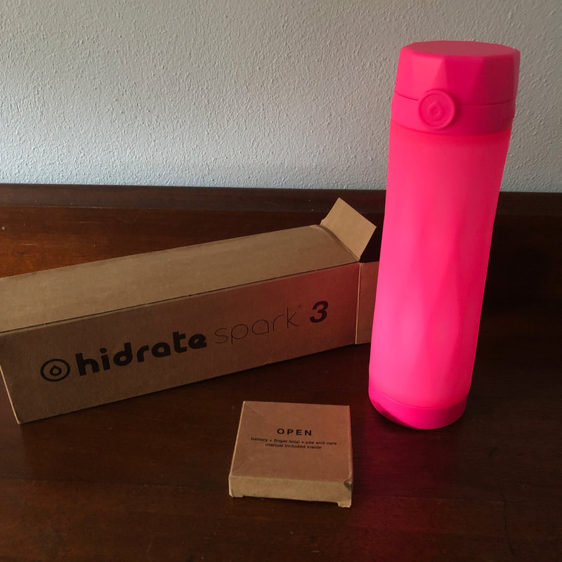 Picture of Hidrate Spark 3 water bottle with box it came in.
