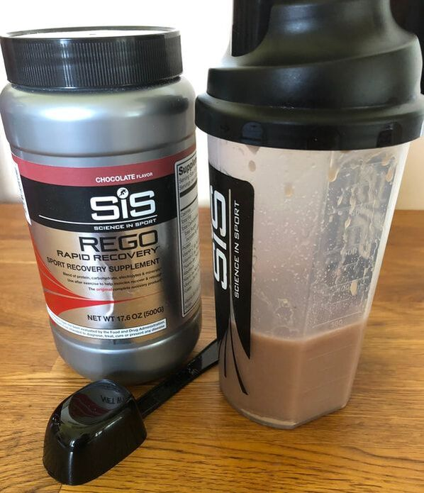 Canister of SiS REGO Rapid Recovery Drink in Chocolate.