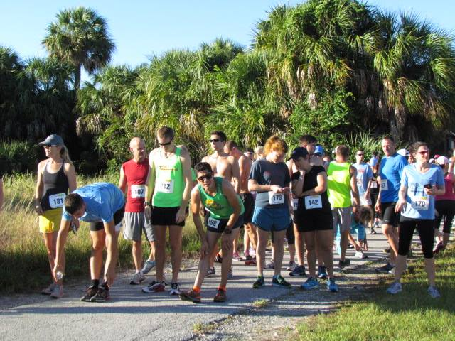 Starting line of the Weedon Island Trail Race.